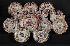 Set de 12 pratos em porcelana Japonesa Imari do sec.19th, Periodo Meiji, 30cm - 40cm de diametro, 35,100 EGP / 14,550 REAIS / 4,250 EUROS / 4,600 USD https://www.facebook.com/SoulCariocaAntiques https://instagram.com/soulcarioca_antiques