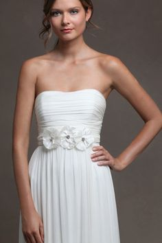 a beautiful and simple style.  very flattering!