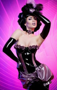 Love the bloomers in this latex corset set.