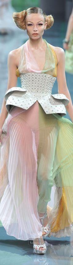 Christian Dior jaglady