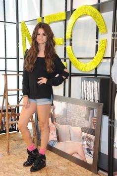 Selena Gomez junto a Adidas Neo, la moda deportiva arrasa