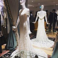 明日からオープンする青山の#丸山邸 #maison_de_maruyama は、丸山敬太さんワールド全開のとっても素敵な空間二階にはウエディングのコーナーもあるので、ぜひ訪れて #ellemariage #エルマリアージュ #丸山敬太 #ウエディングドレス  #weddingdress  #プレ花嫁 #花嫁