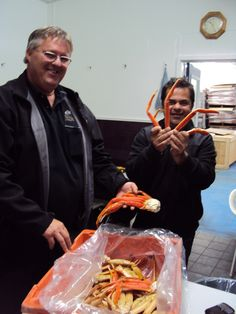 Ha ha ha - LOVE this picture...Chef Vicky Ratnani with Mira Bay's Snow Crab and Derrick Kennedy of Louisbourg Seafoods Ltd.