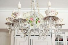Teacups and saucers added to a painted chandelier adds a lot of charm/character to a plain light Chandelier Makeover, Chandelier Art, Cheap Chandelier, Chandelier Bedroom, Chandeliers, Painted Chandelier, Vintage Shabby Chic, Vintage Decor, Vintage Lace