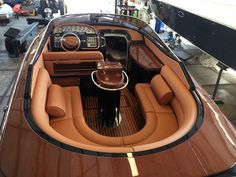 Excellent simple ideas for your inspiration Base Nautique, Ski Nautique, Yacht Boat, Pontoon Boat, Yacht Design, Boat Design, Speed Boats, Power Boats, Boat Upholstery