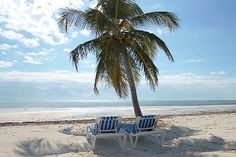 ****Beachfront, is located on the most beautiful (NATURAL) beaches! 5BR w/ POOL