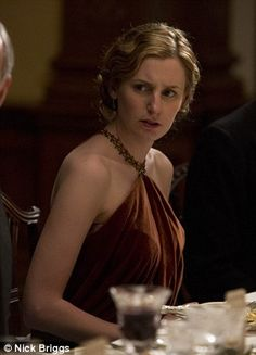 Lady Edith is so pretty and shocked looking in this pic..lol