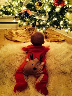 Animal Rompers with different animals Cuteness! Baby first Christmas. Baby first Christmas. Baby Kind, Baby Love, Family Christmas Pictures, Holiday Photos, Infant Christmas Photos, Xmas Family Photo Ideas, Maternity Christmas Pictures, Maternity Pics, Foto Baby