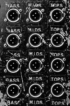 Journalist Joe Muggs and photographer Brian David Stevens have collaborated on a new book called Bass, Mids, Tops detailing the history of UK sound system culture. Dance Music, Art Music, Live Music, Rasta Art, Systems Art, Reading Habits, Trip Hop, Underground Music, Oral History