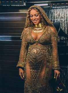 Beyonce performs live at The Grammy Awards at STAPLES Center on February 12 2017 in Los Angeles California Singing Love Drought Sand Castles singing beyonce singing Beyonce Knowles Carter, Beyonce And Jay Z, Beyonce Pics, Destiny's Child, Jennifer Lopez, Divas, Beyonce Style, Kylie, Houston