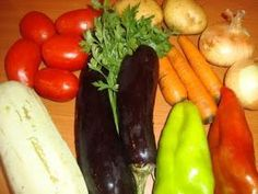 Ghiveci de legume Romanian Food, Lunch, Stuffed Peppers, Vegetables, Cooking, Food, Romanian Recipes, Cucina, Eat Lunch
