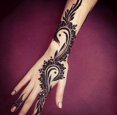 Uploaded by Henna. Find images and videos about tattoo, design and henna on We Heart It - the app to get lost in what you love. Mehndi Tattoo, Henna Ink, 1 Tattoo, Henna Tattoo Designs, Mehndi Art, Small Tattoo Designs, Henna Mehndi, Mehndi Designs, Hand Henna