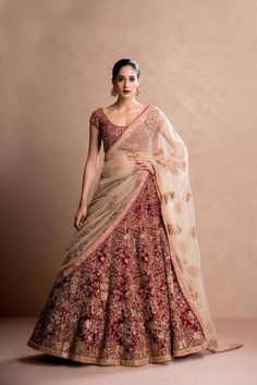 Does anyone knows who is designer of this lehenga? Does anyone knows who is designer of this lehenga Indian Bridal Lehenga, Indian Bridal Outfits, Indian Bridal Wear, Red Lehenga, Indian Dresses, Bridal Dresses, Pakistani Bridal, Lehenga Wedding Bridal, Bridal Anarkali Suits