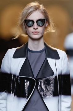 A detail of the Fendi Spring/Summer 2015 Collection - Look 19 aioad.com $15.99 love it..... so cool,, cheap rayban glasses for spring fashion style