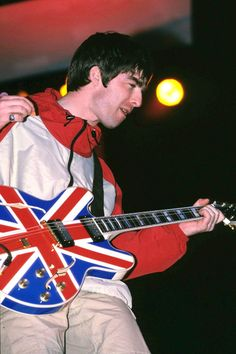 Oasis's Band Style Is All the Fall Wardrobe Inspiration You Need - Vogue Cover Songs, Music Covers, Album Covers, Music X, Indie Music, Soul Music, Oasis Brothers, Oasis Album, Artists
