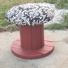 Made out of paint, electrical spool, two IKEA pillows, fabric, and a staple gun. Will be used as an ottoman for my house or for my class library. Electrical Spools, Spool Tables, Cable Reel, Staple Gun, Refurbished Furniture, Renaissance Art, Craft Gifts, Thrifting, Cable Spools