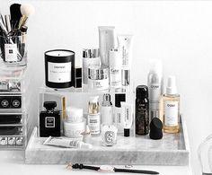 27 cute makeup storages for small bedrooms ideas makeup vanity organization diy bedrooms diy makeup