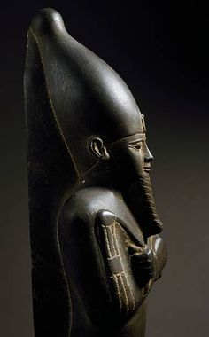 Mummified statue of god Osiris with scepter and flail, Egyptian Civilization, Late Period. De Agostini / G. Ancient Egypt Pharaohs, Ancient Egyptian Art, Ancient Aliens, Ancient Civilizations, Ancient History, Egypt Civilization, Egyptian Mythology, European History, Ancient Greece