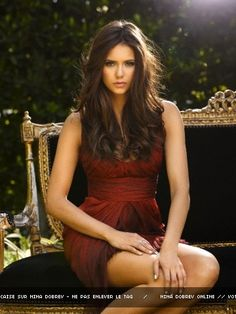 Nina Dobrev, she's so pretty and i want her hair. Good motivation not to cut mine.