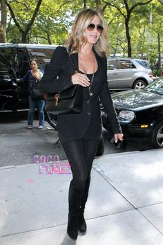 Aniston in all black
