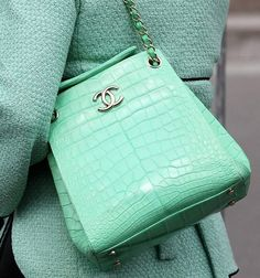 LOVE the mint colored Chanel bag! Would be the perfect pop of color in any outfit! LOVE the mint colored Chanel bag! Would be the perfect pop of color in any outfit! Azul Tiffany, Tiffany Blue, Chanel Handbags, Purses And Handbags, Chanel Purse, Cheap Handbags, Designer Handbags, Popular Handbags, Luxury Handbags