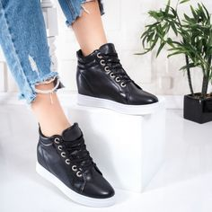 Pantofi dama cu platforma ascunsa negri Frilise