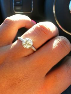My ring just took my breath away again. The sun's angle... ohmygod.