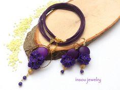 Ensemble de bijoux prune, fleur bijoux, collier boucles d'oreilles, collier, boucles d'oreilles fleur, bijoux de Jade, bijoux élégants, bijoux Floral