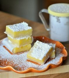 I'm on a quest to find the best lemon bar recipe.  This recipe looks pretty good!  I'm going to try it soon.