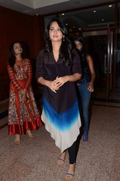 Anushka Shetty Latest Photos At Movie Success Meet Anushka Images, Anushka Latest Photos, Anushka Photos, Actress Anushka, Show Photos, Actress Photos, High Quality Images, Tie Dye Skirt, Thighs