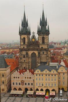 Las Fotografías de Bandera: La Iglesia de Ntra. Sra. del Týn en Praga