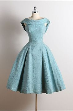 Vintage Scoop A-Line Sleeveless Knee-Length Lace Blue Homecoming Dress