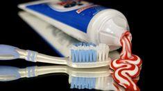 Alter ist kein Argument: Gute Zahnpflege für mehr Lebensqualität Was viele nicht wissen, schlecht gepflegte Zähne sind oftmals Auslöser für verschiedenste Entzündungs- und Krankheitsherde. Es gibt eine vorbeugende Lösung. Vorsorge Alter, Tableware, Tooth Enamel, Clean Teeth, Daily Cleaning, Healthy Teeth, Dental Floss, Oral Hygiene, Dental Caries