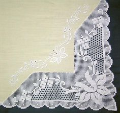 This Pin was discovered by ayf Filet Crochet, Crochet Doily Diagram, Crochet Motifs, Crochet Borders, Crochet Doilies, Crochet Flowers, Crochet Curtains, Crochet Tablecloth, Tricot