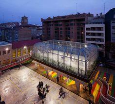 Elevated Sports Court at Lasalle Franciscanas School,© Miguel de Guzmán