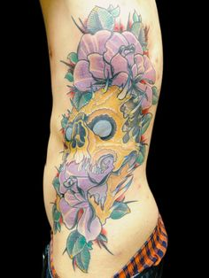 Shino-Patrick Sanner - Devils Hand Tattoo Braunschweig- Rippe Skullrose Rose Schädel Morph