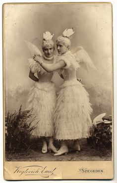 Victorian Costumed Women Sisters Friends Woman and Man White Dress Wings Doves Vintage Photography Edwardian Sepia Black & White Photo Print Antique Photos, Vintage Pictures, Vintage Photographs, Old Pictures, Vintage Images, Old Photos, Vintage Art, Portraits Victoriens, Victorian Fancy Dress
