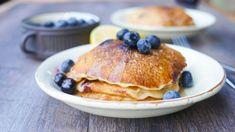 pancakes make the BEST weekend breakfast Mini Eggs Cake, Egg Cake, Easy Brunch Recipes, Breakfast Recipes, Healthy Recipes, 3 Ingredient Pancakes, Blueberry Pancakes, Meal Planner, 3 Ingredients