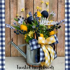 Your place to buy and sell all things handmade Everyday Centerpiece, Kitchen Centerpiece, Lemon Kitchen Decor, Great Mothers Day Gifts, Easter Table Decorations, Wood Home Decor, Spring Crafts, Diy Crafts, Etsy