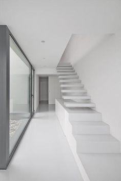trap die overgaat in een kast