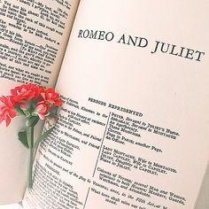 Shakespeare Sonnets, William Shakespeare, Henrik Holm Skam, Bella Y Edward, Munier, Francisco Lachowski, Book Aesthetic, Aesthetic Light, Beige Aesthetic