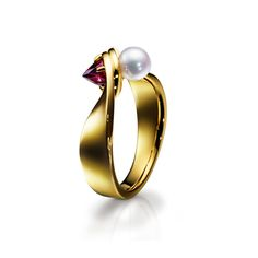tasaki_refined rebellion twist garnet Ring_akoya pearl 18k yellow gold