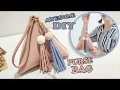 In this super cute DIY video tutorial, DIY Crafts TV will be showing you an easy way to make the purse bag by your own hands from scratch. Diy Bags Purses, Fabric Purses, Cute Diy Purses, Diy Backpack, Diy Tote Bag, Zipper Bags, Zipper Pouch, Diy Unicorn Bag, Diy Bag Video