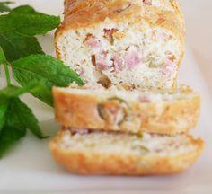 Cake aux olives jambon champignons | Aux Fourneaux