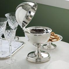 Para os amantes de caviar e da arte de receber com amor!!!#receberbem #vestiramesa #sabado #tableware #temqueter #portacaviar #familia #exclusivo #taniabulhoes #listadecasamento. www.taniabulhoes.com.br