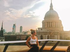 Enjoying the sunset over the rooftops of London and St Paul's Cathedral from Madisons Rooftop Bar. Not sure how to spend 2 days in London? This London itinerary is just what you've been looking for. Discover all the best things to do in London in 2 days. London In 2 Days, Things To Do In London, London Instagram, Best Instagram Photos, Tower Of London, London City, London Tours, Rooftop Photoshoot, Great Fire Of London