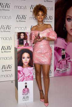 Rihannas-Riri-Fragrance-Unveiling-Vivienne-Westwood-Red-Label-Bubblegum-Pink-Dress-and-Christian-Louboutin-Suede-Pumps.jpg (634×940)