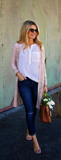 Spring Pastels: Rose Quartz (Pantone Color of the Year 2016) I'd like this outfit but in lavender instead!