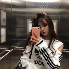 Nakyung - New Site Ulzzang Girl Fashion, Ulzzang Korean Girl, Cute Korean Girl, South Korean Girls, Kpop Girl Groups, Korean Girl Groups, Kpop Girls, Pretty Asian, Beautiful Asian Girls