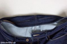 How to alter your jeans waistband, to take in a too big waist and remove the gap. A sewing DIY. Sewing Hacks, Sewing Tutorials, Sewing Tips, Sewing Projects, Sewing Patterns, Make Skinny Jeans, Altering Jeans, Sewing Jeans, Sewing Alterations